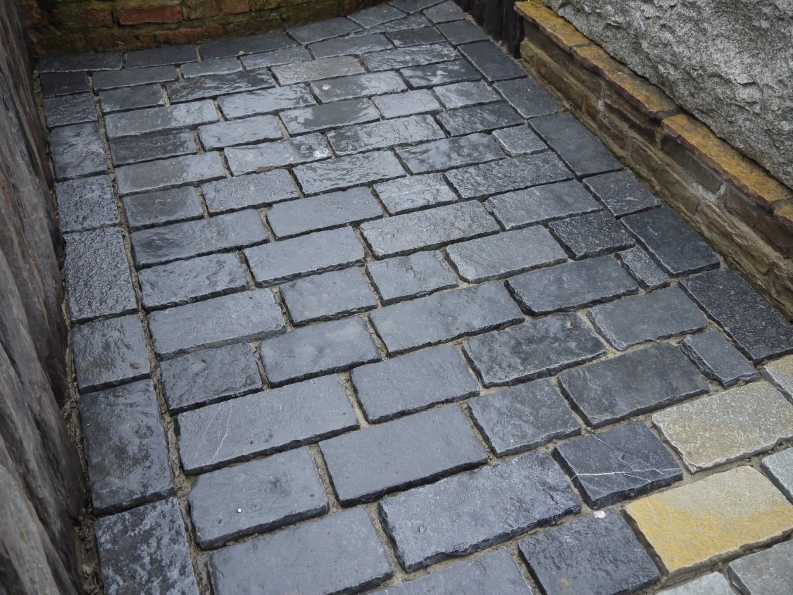 Newmarket Cobbles Prices Paving